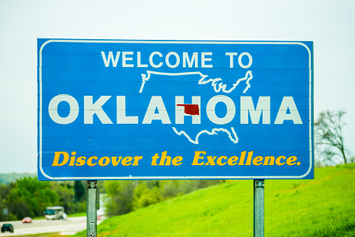 welcome to oklahoma highway state sign